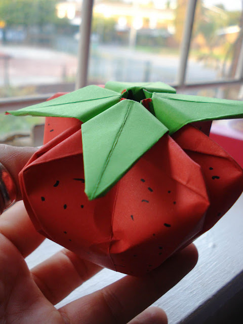 adventurelisa origami strawberry