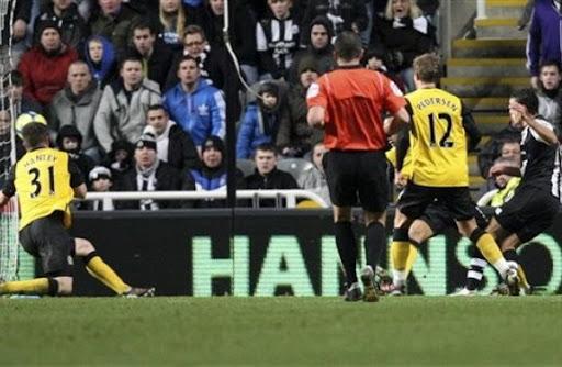 Newcastle midfielder Hatem Ben Arfa shoots to score against Blackburn