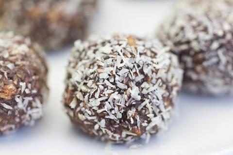 Chocolate-Cinnamon Balls / Choklad-Kanelbollar