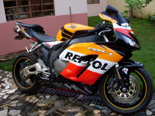 Carros e motos honda repsol rr 1000 for Yamaha rr 1000