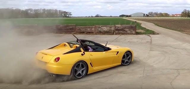 フェラーリの激レア車に乗ってクレー射撃をする動画が話題に!