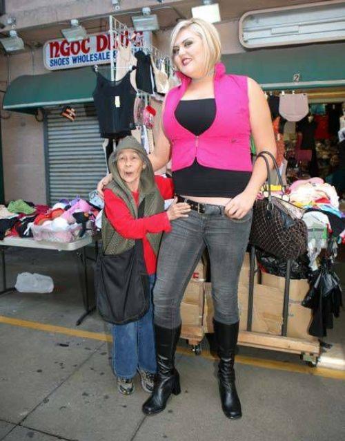 huge girl 4 ΔΕΙΤΕ: Η ψηλότερη και δυνατότερη ξανθιά στον κόσμο!!!