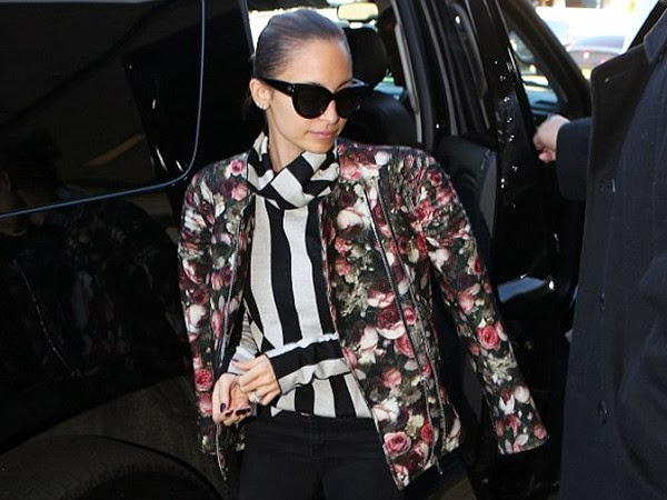 Nicole Richie in Her Wayfarer Sunglasses
