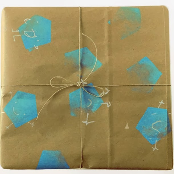 http://kittybabylove.com/kids-diy-stamped-giftwrapping-paper-and-how-to-wrap-a-box/#.UvNnToUz2YF