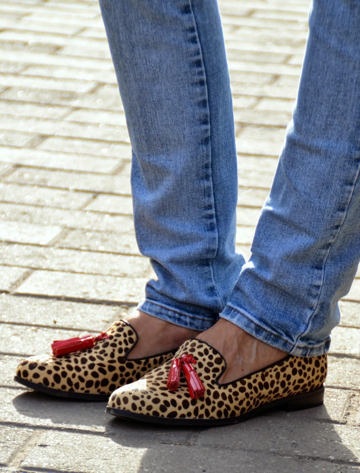 leopard-fur-tassel-loafers-zara-jeans