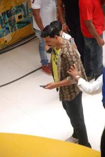 Akshay Kumar promotes Rowdy Rathore on CID