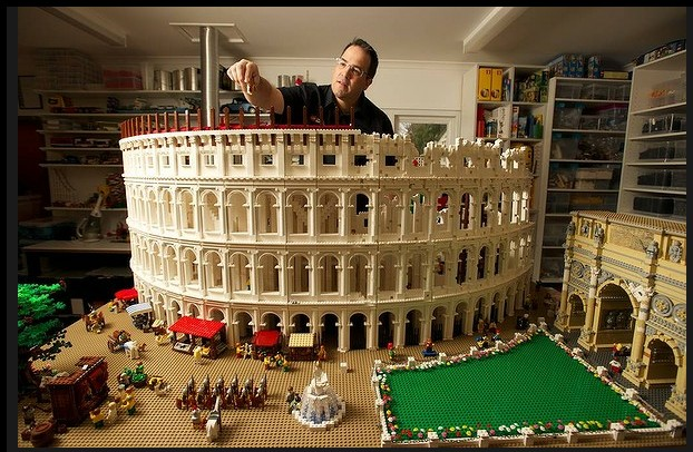 El coliseo romano con bloques de LEGOs