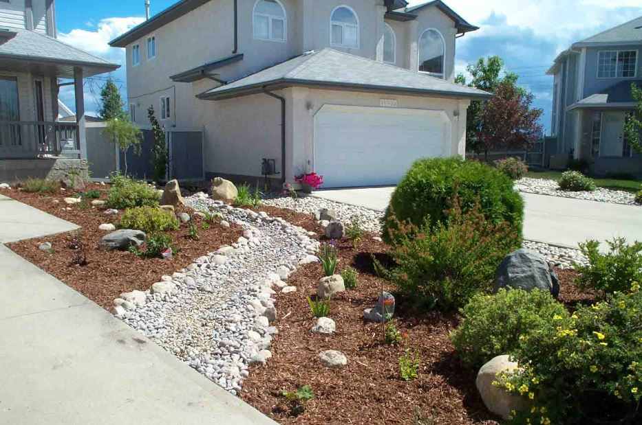 Centerpointe communicator the drought resistant landscaping bill what it means for us - Practical ideas to decorate front yards in the city ...