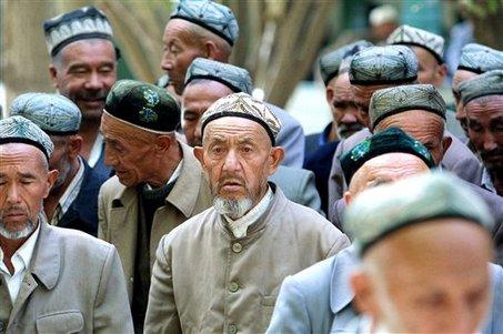Kisah Muslim Uighur Yang Dilarang Puasa Di China [ www.BlogApaAja.com ]