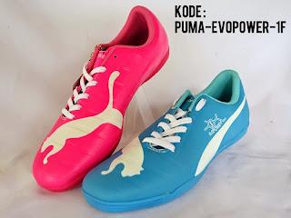 sepatu futsal puma pink biru