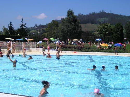 Aqualia-llanera-piscina