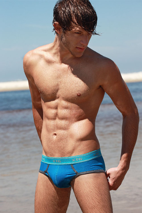 mermanslair guy pics hot guys at the beach. Black Bedroom Furniture Sets. Home Design Ideas