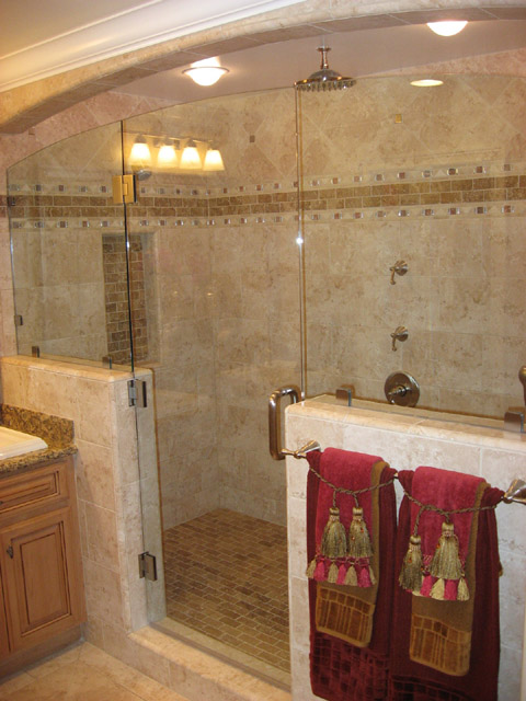 This Is A Great Example Of A Small Shower. Look How That Horrible Border  Cuts The Shower In Half. It Wouldu0027ve Been Much Better To Just Leave It Off.