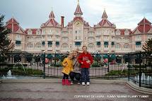 Paris When Was Disneyland Built
