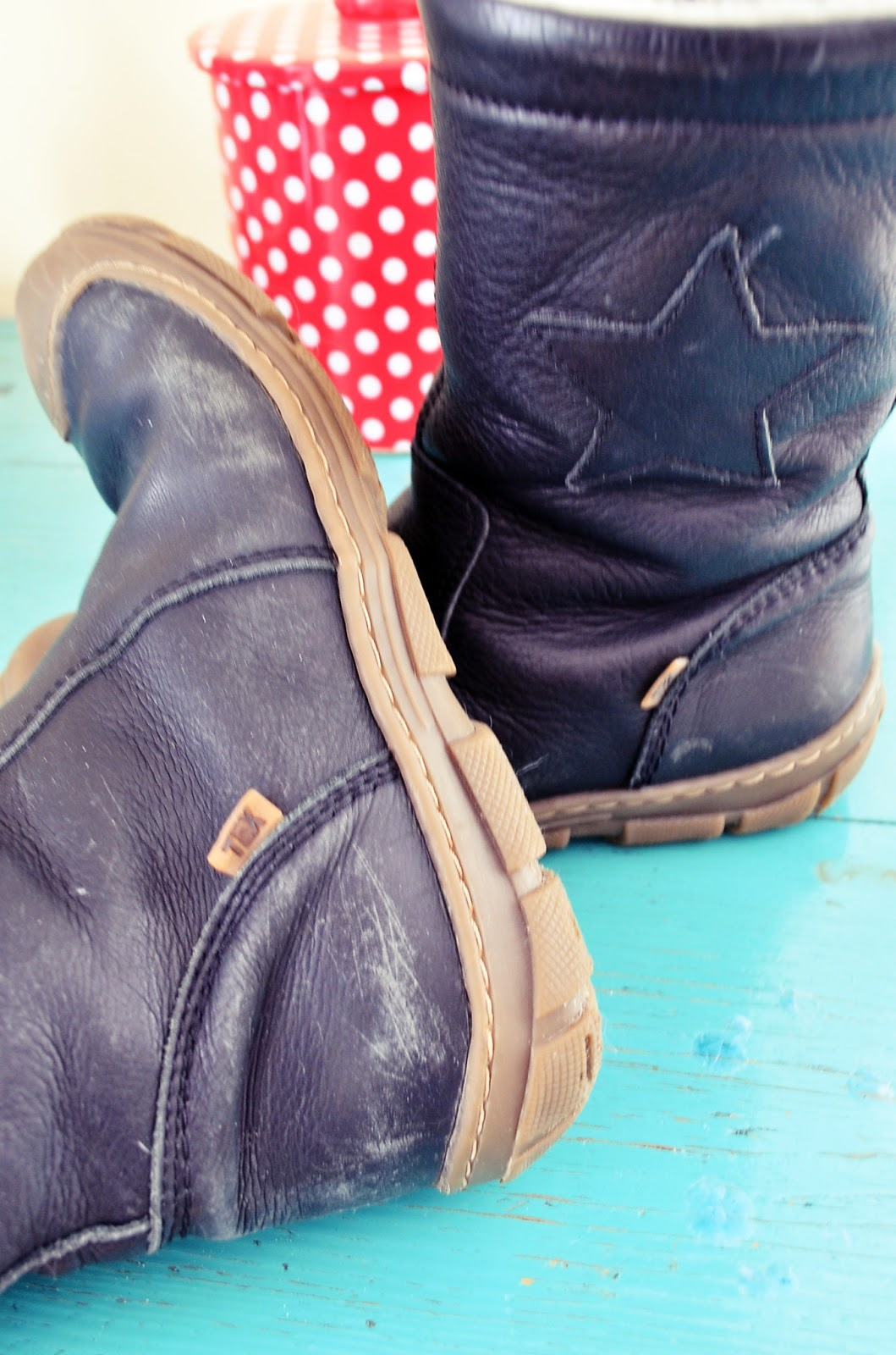 Molemmilla kengät jo toista talvea käytössä 303c50776c