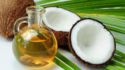 The thousand and one uses of coconut oil in beauty dandruff pimples or blackheads acne Skin moisture Sexy lips