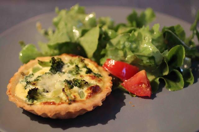 Tartelettes au brocoli et au roquefort