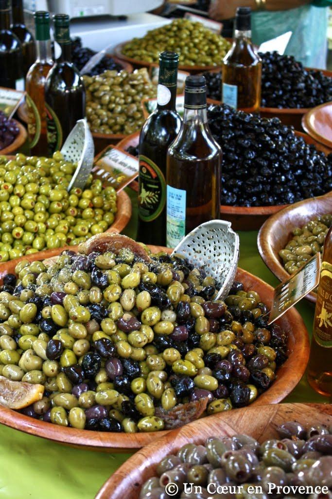Olives au marché de Saint-Tropez