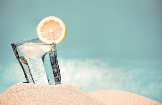 الاثار الجانبية لتناول المزيد من عصير الليمون