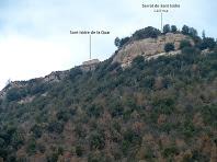 Darrere imatge del Serrat de Sant Isidre des del camí de llevant