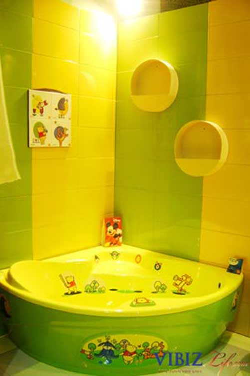 Kids bathroom design colors green and yellow home for Yellow and green bathroom ideas
