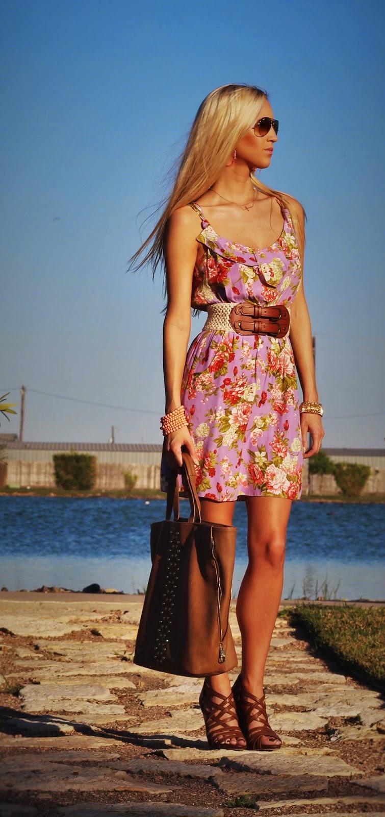 http://www.fabphilosophy.blogspot.com/2014/04/outfit-of-day-feeling-flirty-in.html