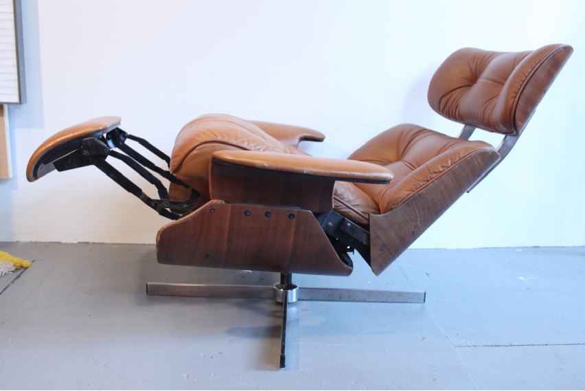 MOTEL RECLINING SELIG LOUNGE CHAIR