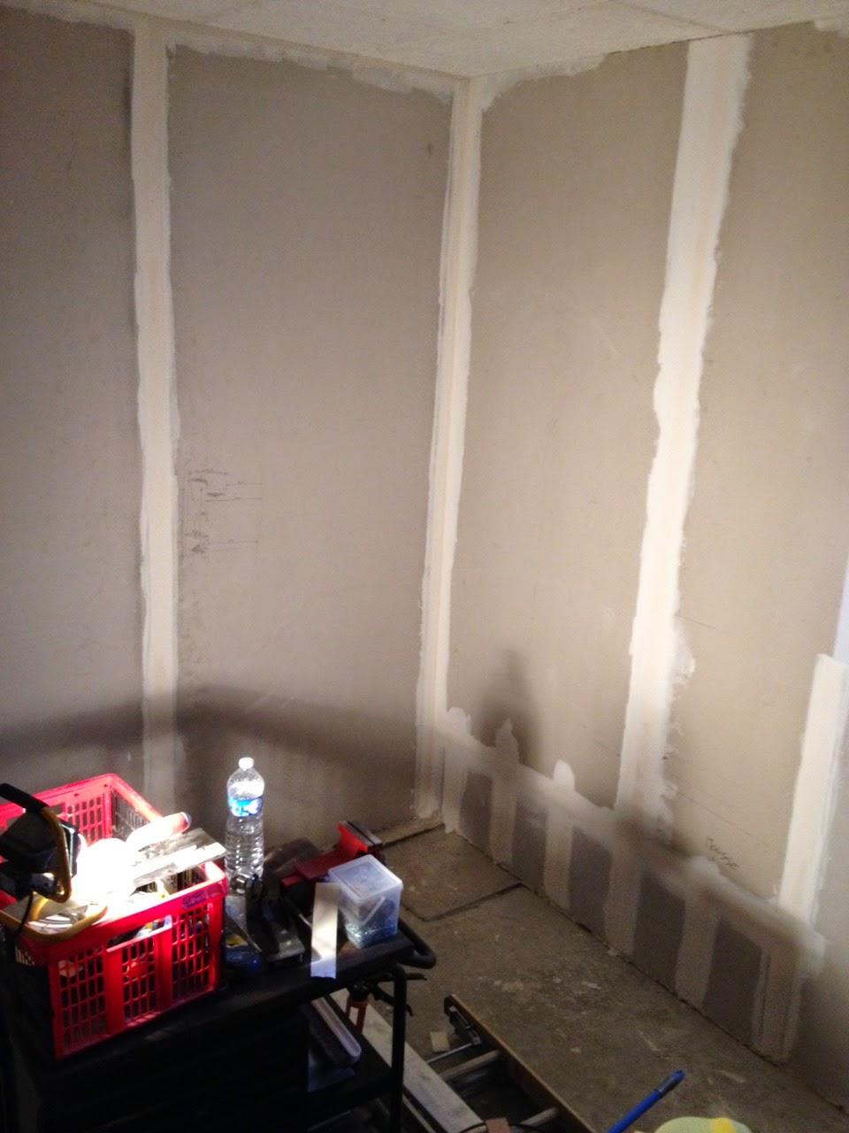 Notre maison en autoconstruction finir d 39 isoler le garage for Garage suite