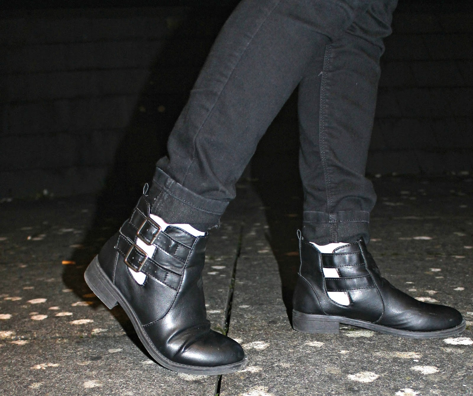 Bec boop cut out ankle boots