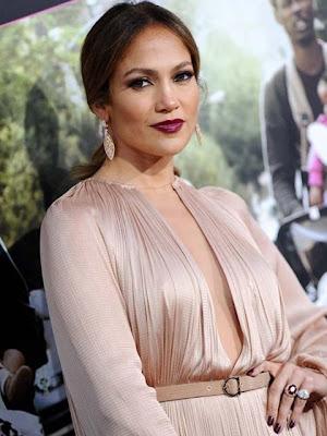 Jennifer Lopez Dangling Diamond Earrings