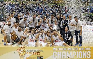 BALONCESTO - El Real Madrid suma y sigue y gana su quinta Copa Intercontinental y su quinto título del año