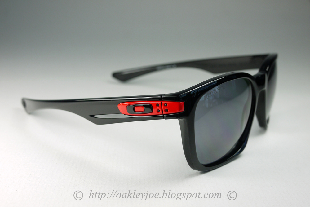 Singapore Oakley Joe's Collection SG: Ducati Edition