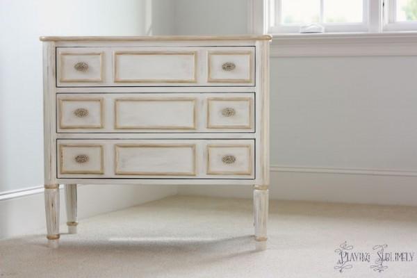 Verniciare vecchi mobili - Come verniciare un mobile antico ...