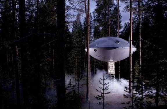 UFO Treehouse — Sweden