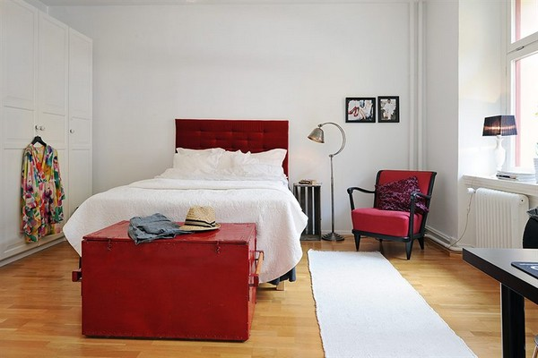 margas: Spicing up the bedroom: imperial red