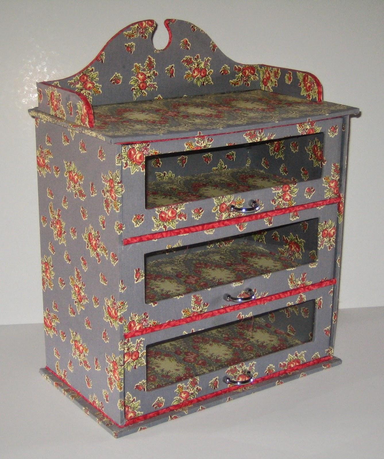 Cartonnage passion petit meuble trois tiroirs for Petit meuble trois tiroirs