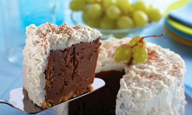 Receita de Charlote de chocolate e uva