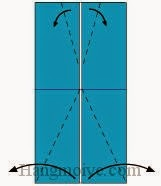 Bước 3: Gấp chéo bốn góc giấy ra ngoài.
