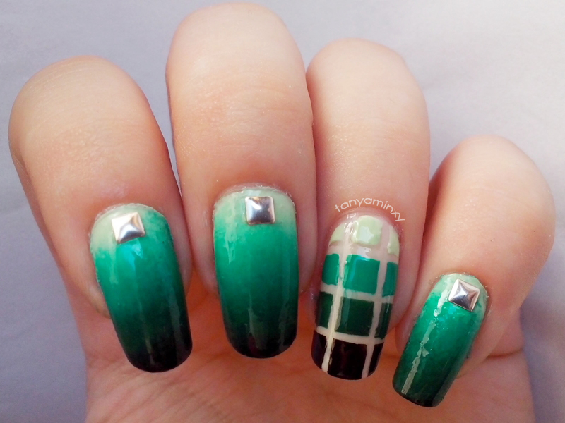 Green Gradient Squares Nails