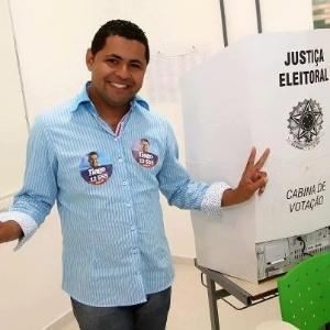 Após votar, Tiago Silva publicou foto no Facebook (Foto: Divulgação)