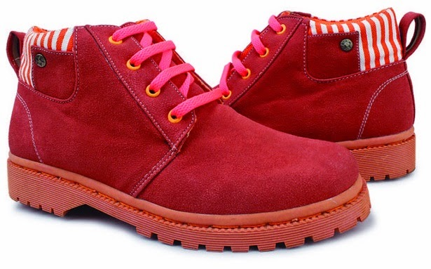 Sepatu: Sepatu Kets Merah Giardino
