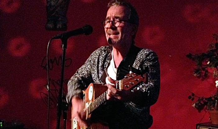 Stephen Hannah auf der Bühne im King Kong Club. © Stephen Hannah