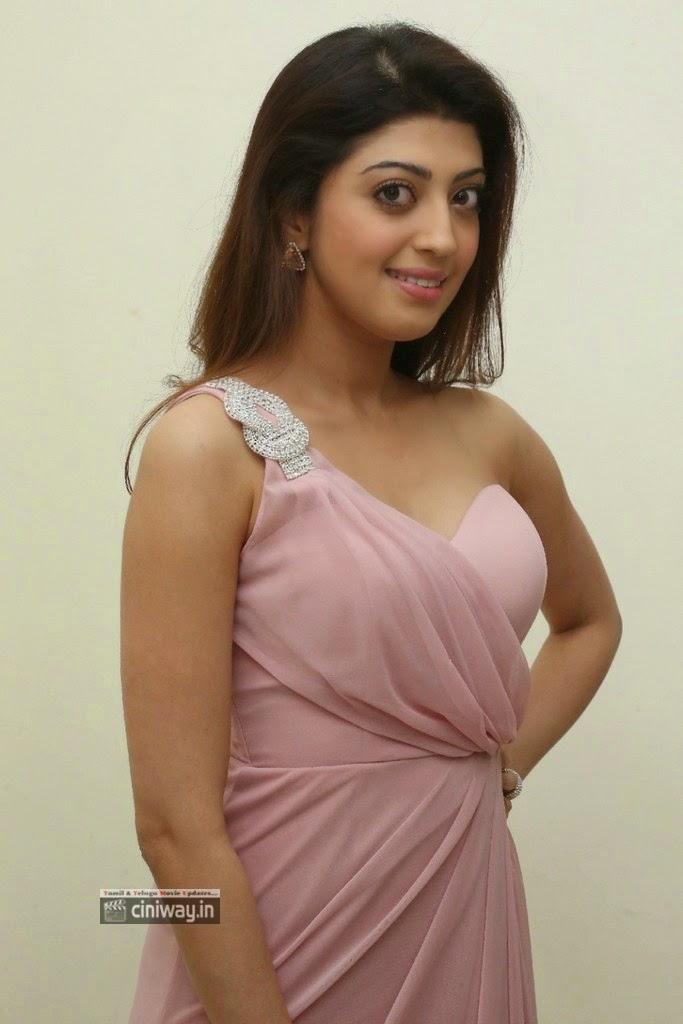 Praneetha-at-Rabhasa-Audio-Launch