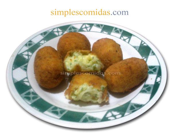 croquetas de queso con cebolla y perejil
