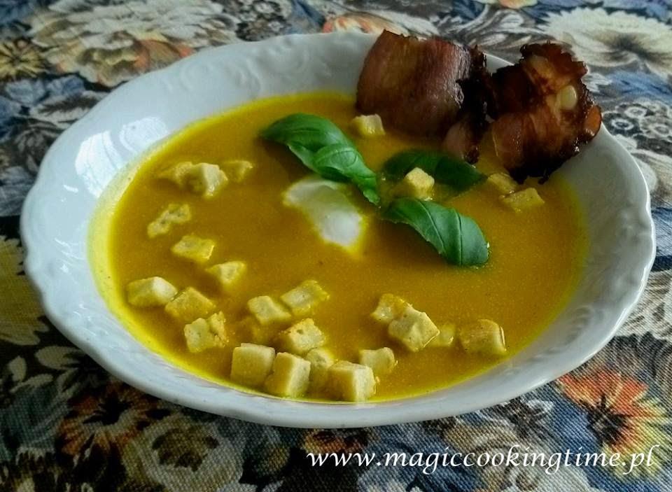 Zupa krem z dyni z chipsami i grzankami