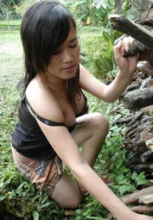 Janda Desa Pamer Susu Montok
