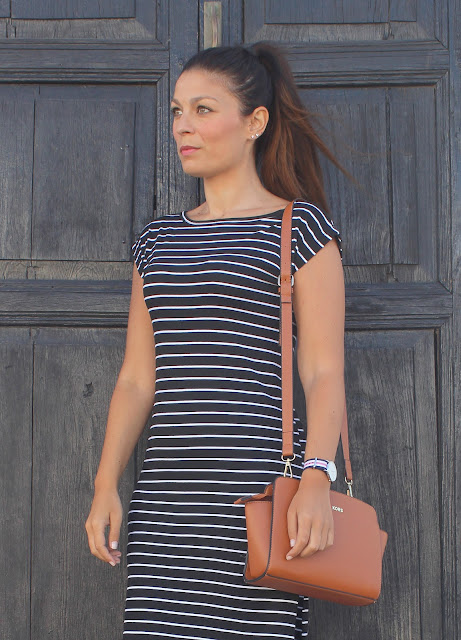 Striped_Midi_Dress_The_Pink_Graff_04