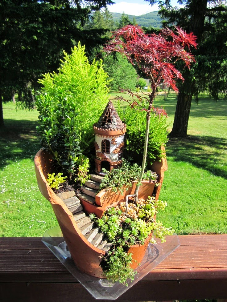 Genial Unique Gardening Ideas This Season. The Rules Of Container Garden Have Gone  In The Wind. The Newest Trends Are Recycled Items