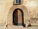 Detall del portal adovellat