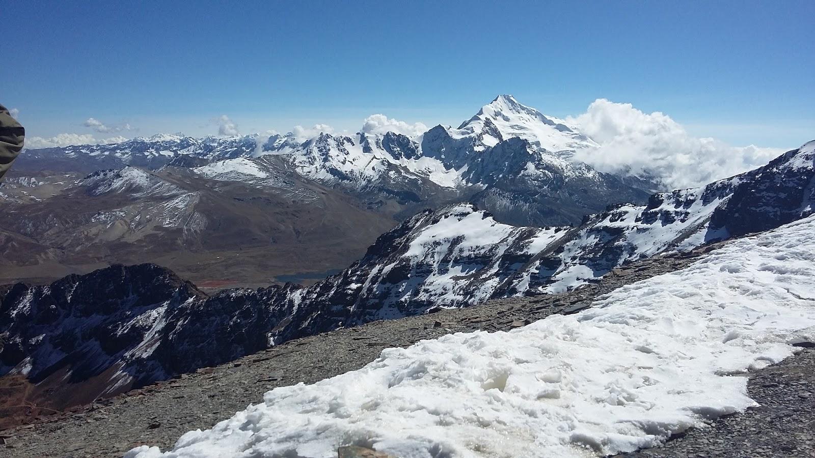 Do Chalcataya também é possível caminhar até o acampamento de base do  Huayna Potosí em um trecho que dura metade de um dia. Mas antes desse  roteiro, ... b8022dadbc